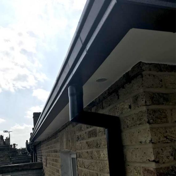 wooden-fascia-boards-soffit-and-guttering-replacement00