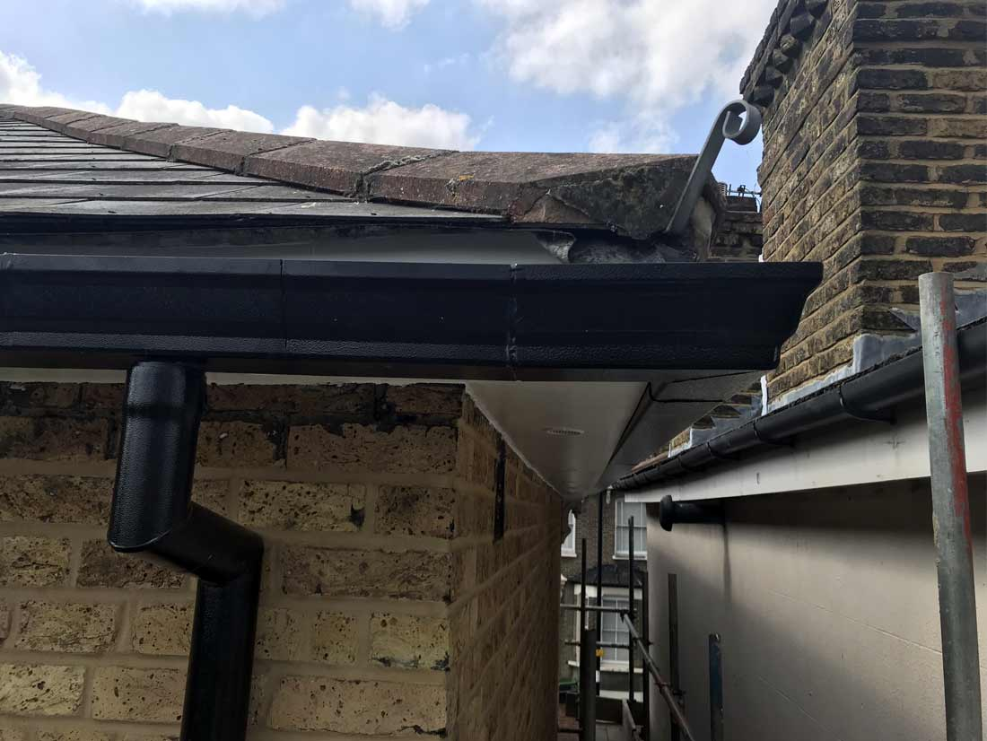 wood-fascia-boards-soffit-and-guttering-replacement05